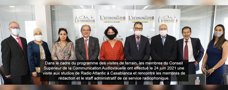 Dans le cadre du programme des visites de terrain, les membres du Conseil Supérieur de la Communication Audiovisuelle ont effectué le 24 juin 2021 une visite aux studios de Radio Atlantic à Casablanca et rencontré les membres de rédaction et le staff admi