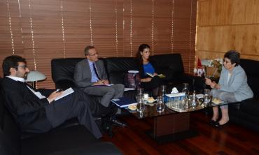 La Présidente de la HACA reçoit M. Mehdi Remili, chargé de la lutte contre les violences à l'égard des femmes et des enfants et contre la traite des êtres humains au Conseil de l'Europe