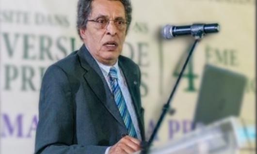 Devant 180 détenus (es), M. Naji analyse à la prison Oudaya de Marrakech les perceptions et les pratiques des médias face au monde carcéral