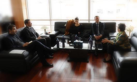 La Présidente de la HACA reçoit le Directeur adjoint pour les Affaires Politiques et la Gouvernance Démocratique de l'OIF